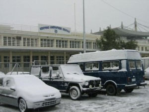 piraeus snow 2004 3